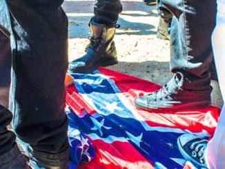 Dixie Flag   Confedercay protest