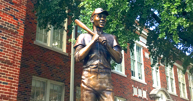 Ernie Banks statue at Booker T